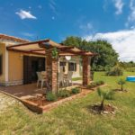 Ferienhaus mit grossem Garten in Medulin