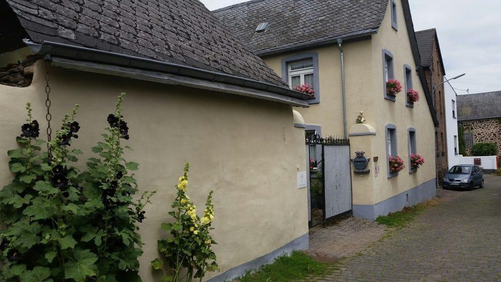 Outdoorküche Mit Gasgrill Cover : Wellness ferienhaus maifelder uhlenhorst urlaub mit hund