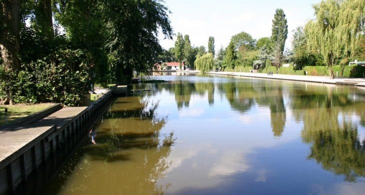 Bungalows im Park De Groote Vliet am Wasser