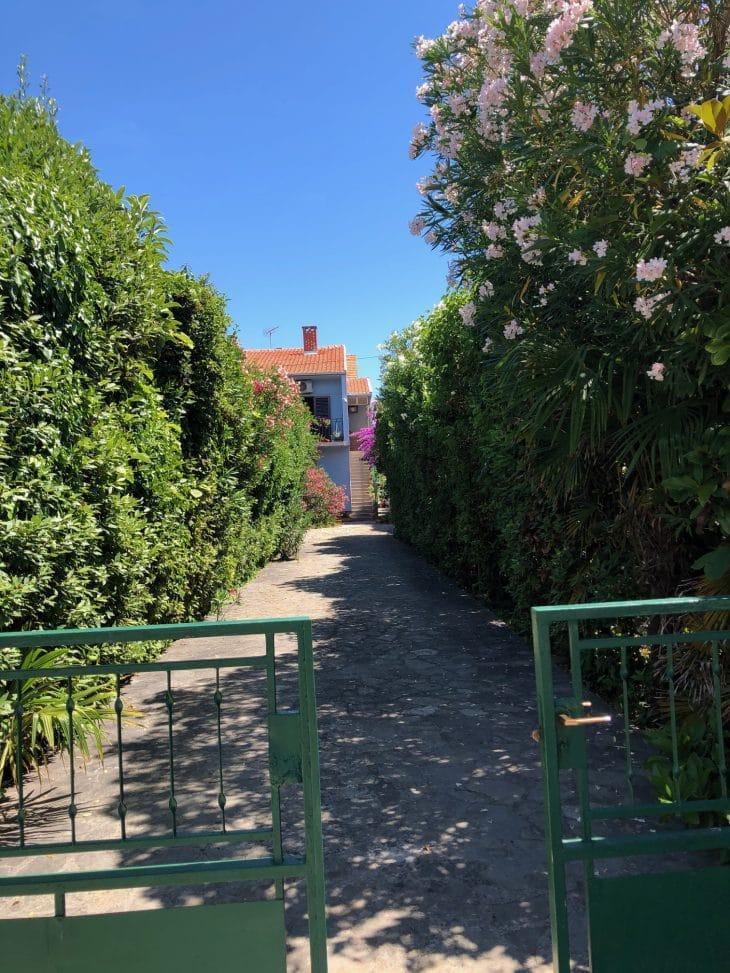 Villa Paradies bei Meer mit Garten und Pool
