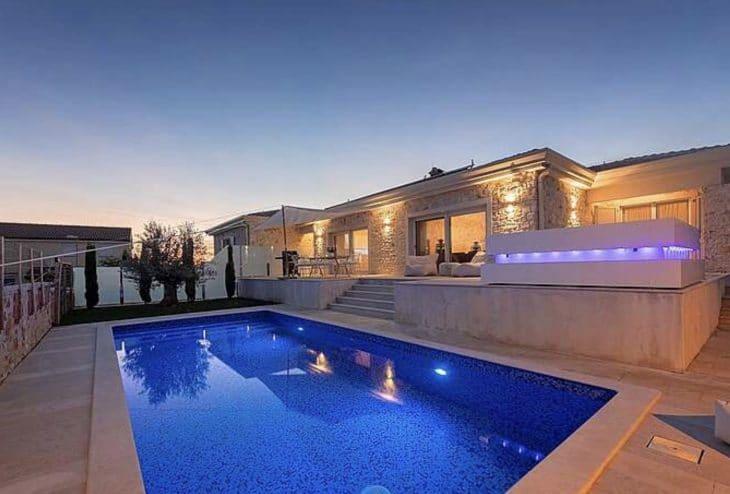 Villa Puccini mit Pool, Whirlpool & Sauna